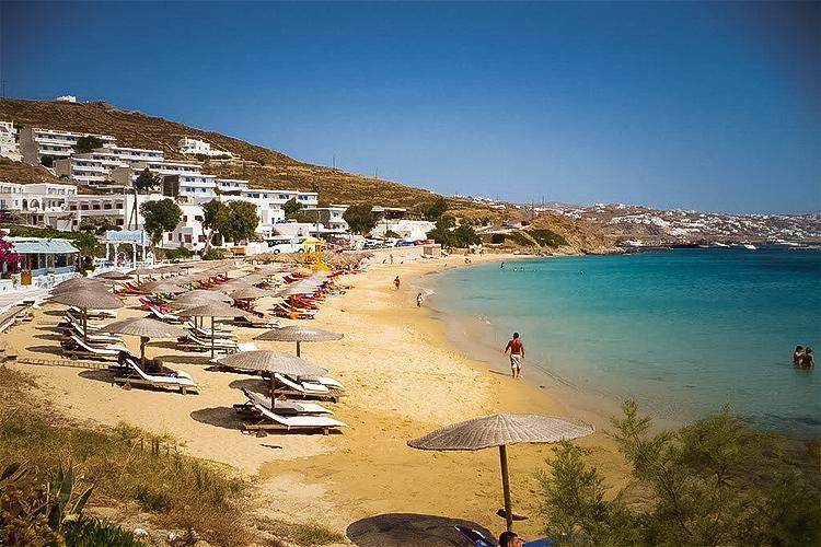 Agios Stefanos Plajı
