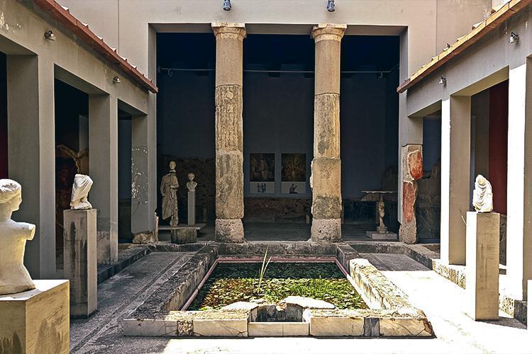 Casa Romana (House of Rome)
