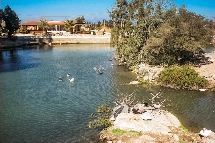Linopoti Gölü